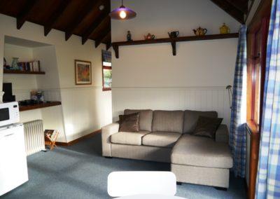 Cottage Lounge - 800x600